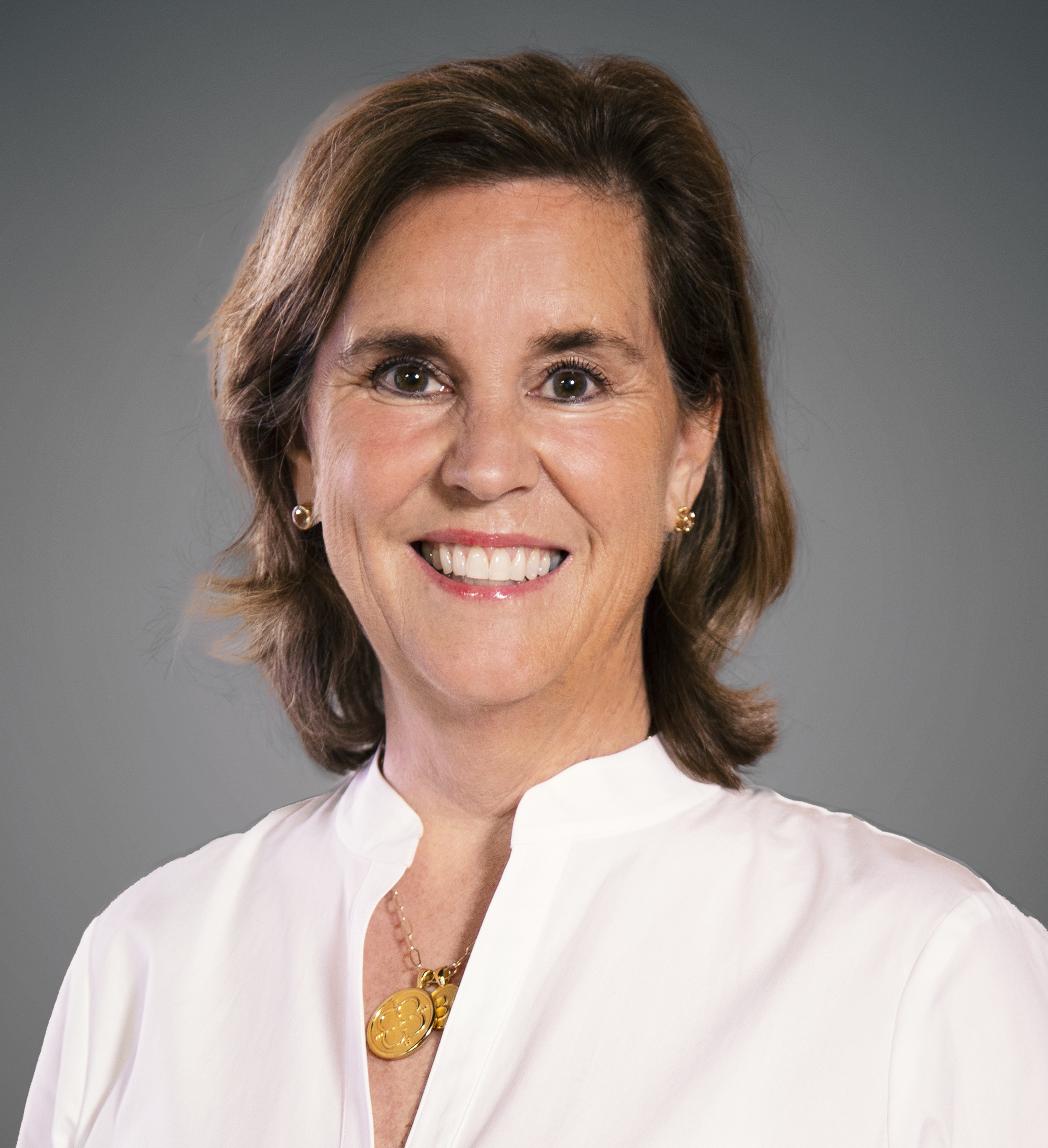 Barbara Loeslein Headshot | Dakota Investments