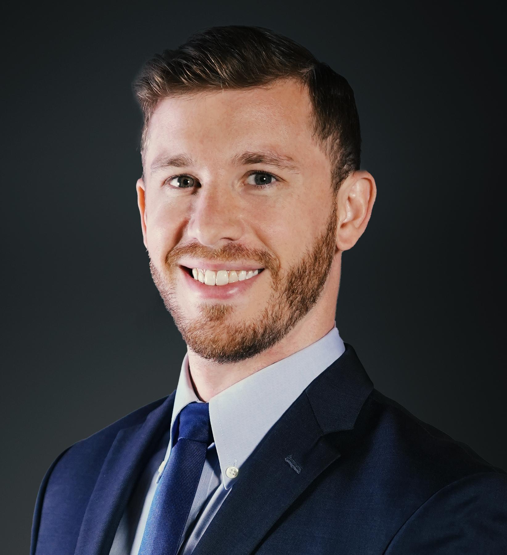 Dan Starr Headshot | Dakota Investments
