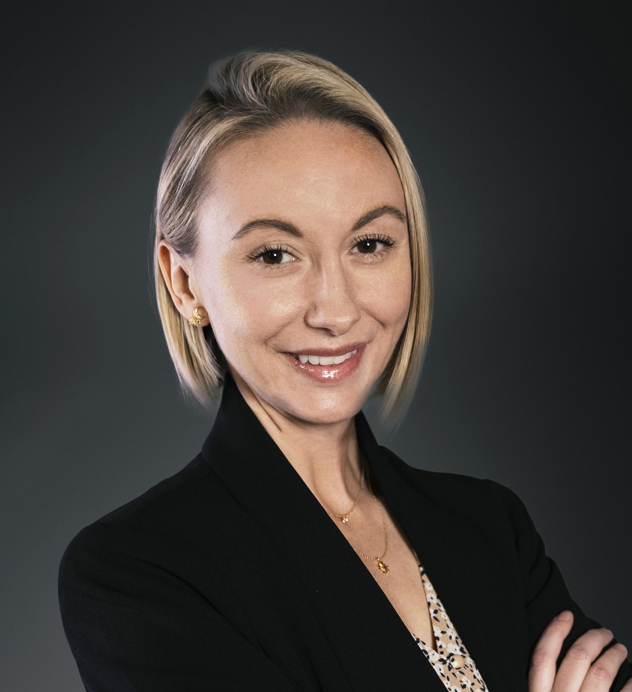 Genevieve LeMay Headshot | Dakota Investments