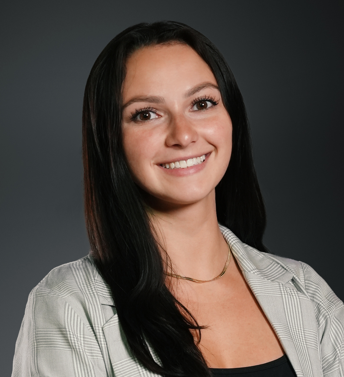 Morgan Holycross Headshot | Dakota Investments