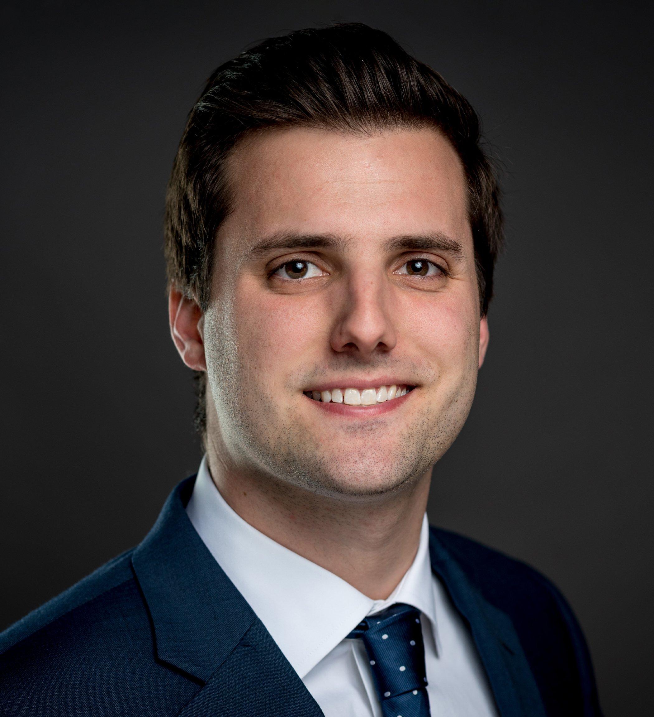 Nick Butz Headshot | Dakota Investments