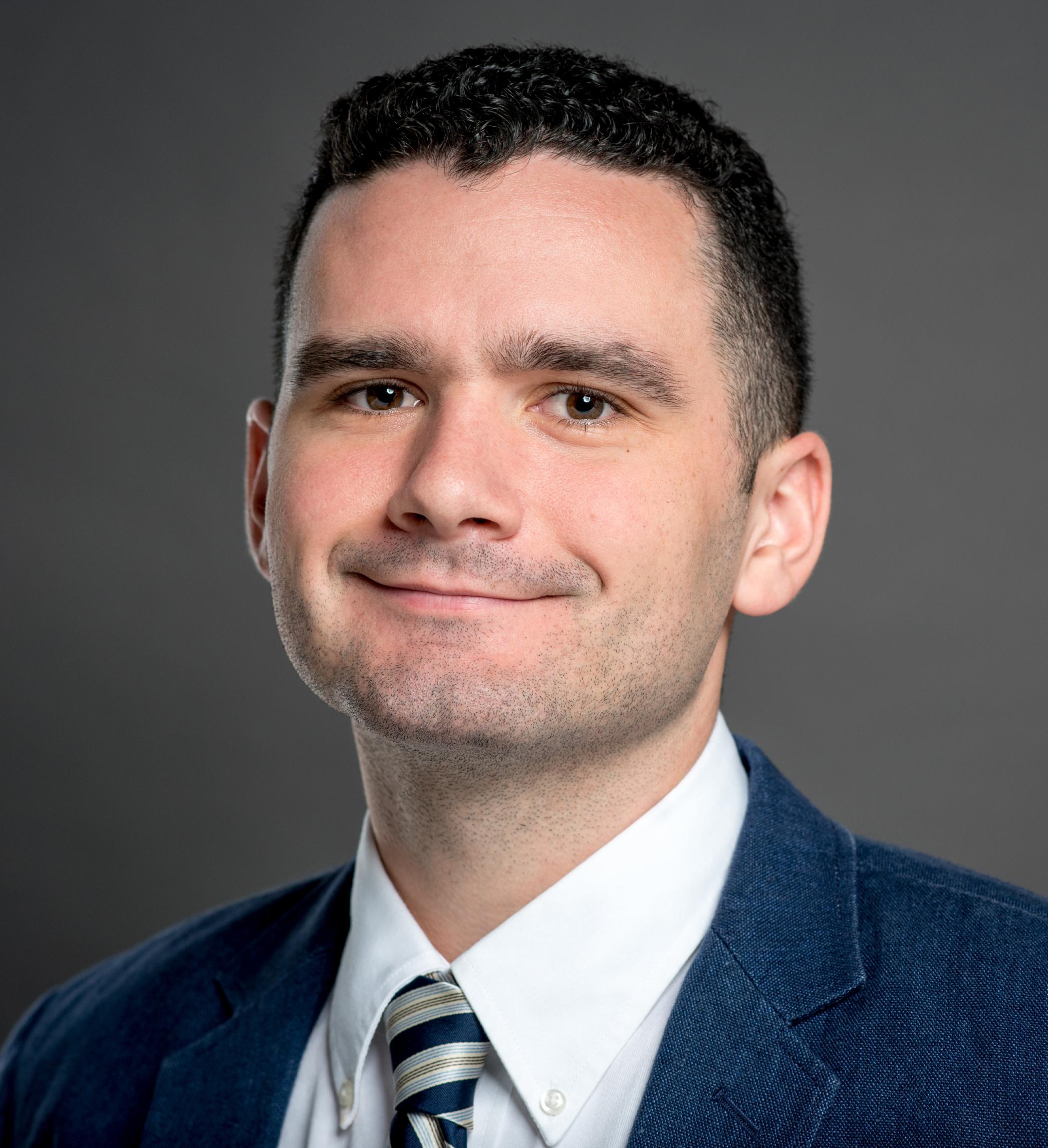 Patrick Tighe Headshot | Dakota Investments