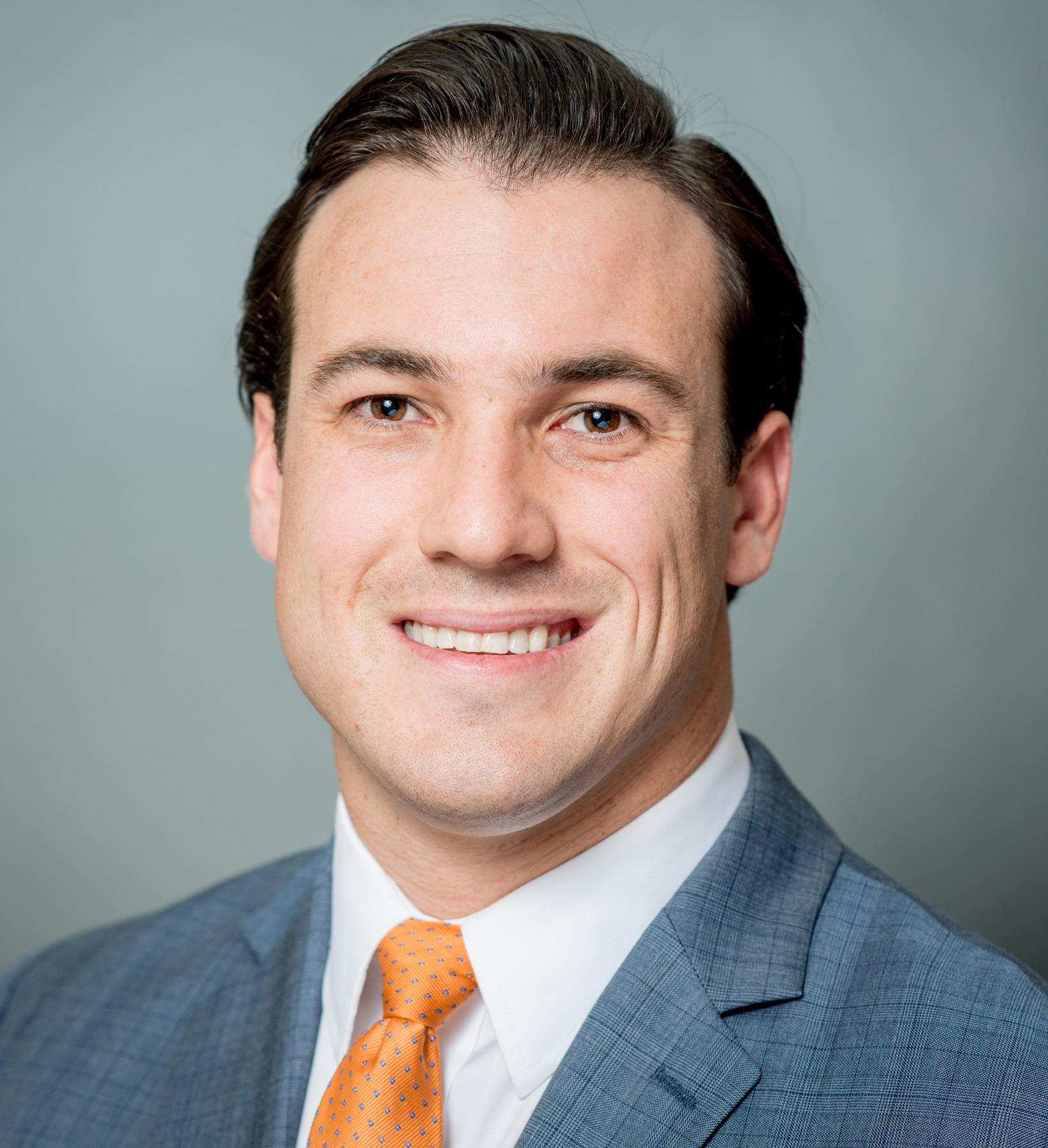 Ryan Creighton Headshot | Dakota Investments