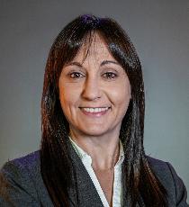 Stephanie  Patterson Headshot | Dakota Investments