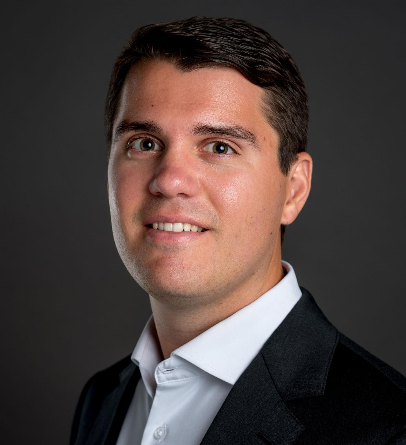 Steve Aitken Headshot | Dakota Investments