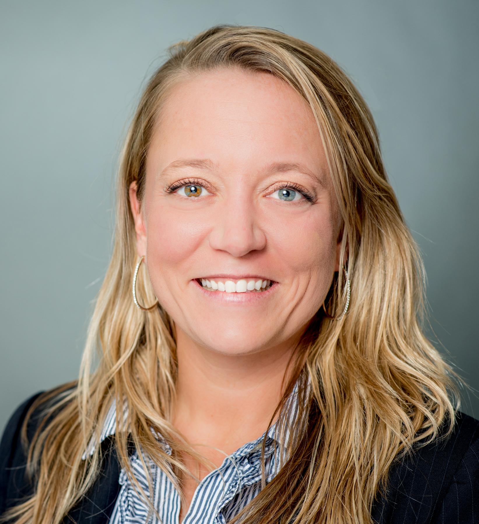 Tracy Rogers Headshot   Dakota Investments