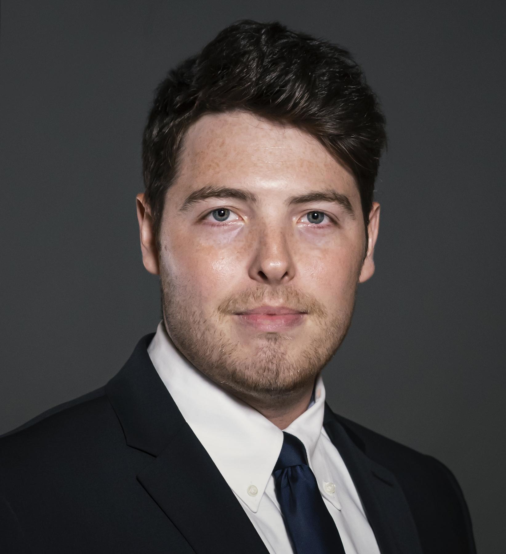Tyler Goodstein Headshot | Dakota Investments