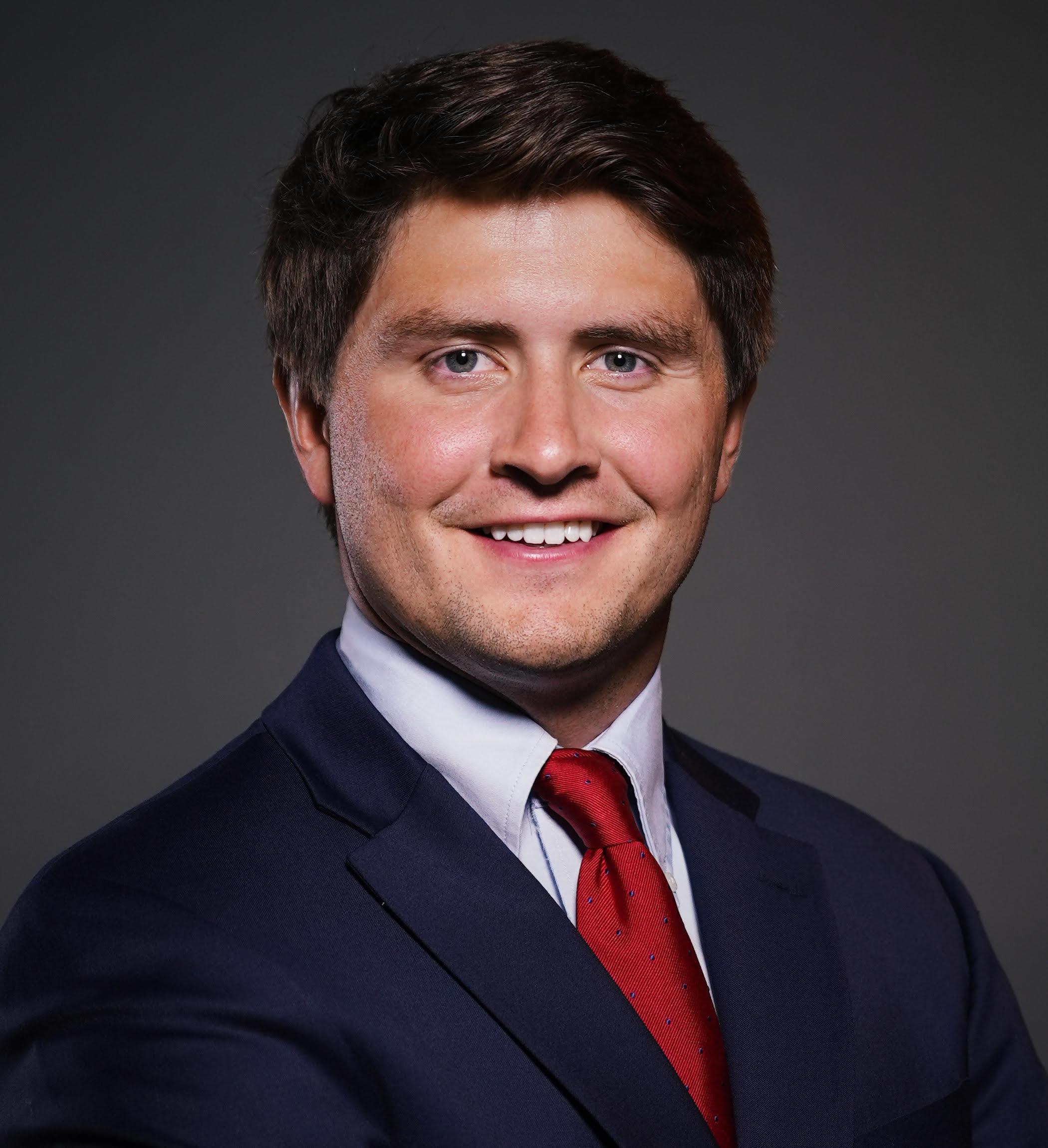 Conner Mosebrook Headshot | Dakota Investments