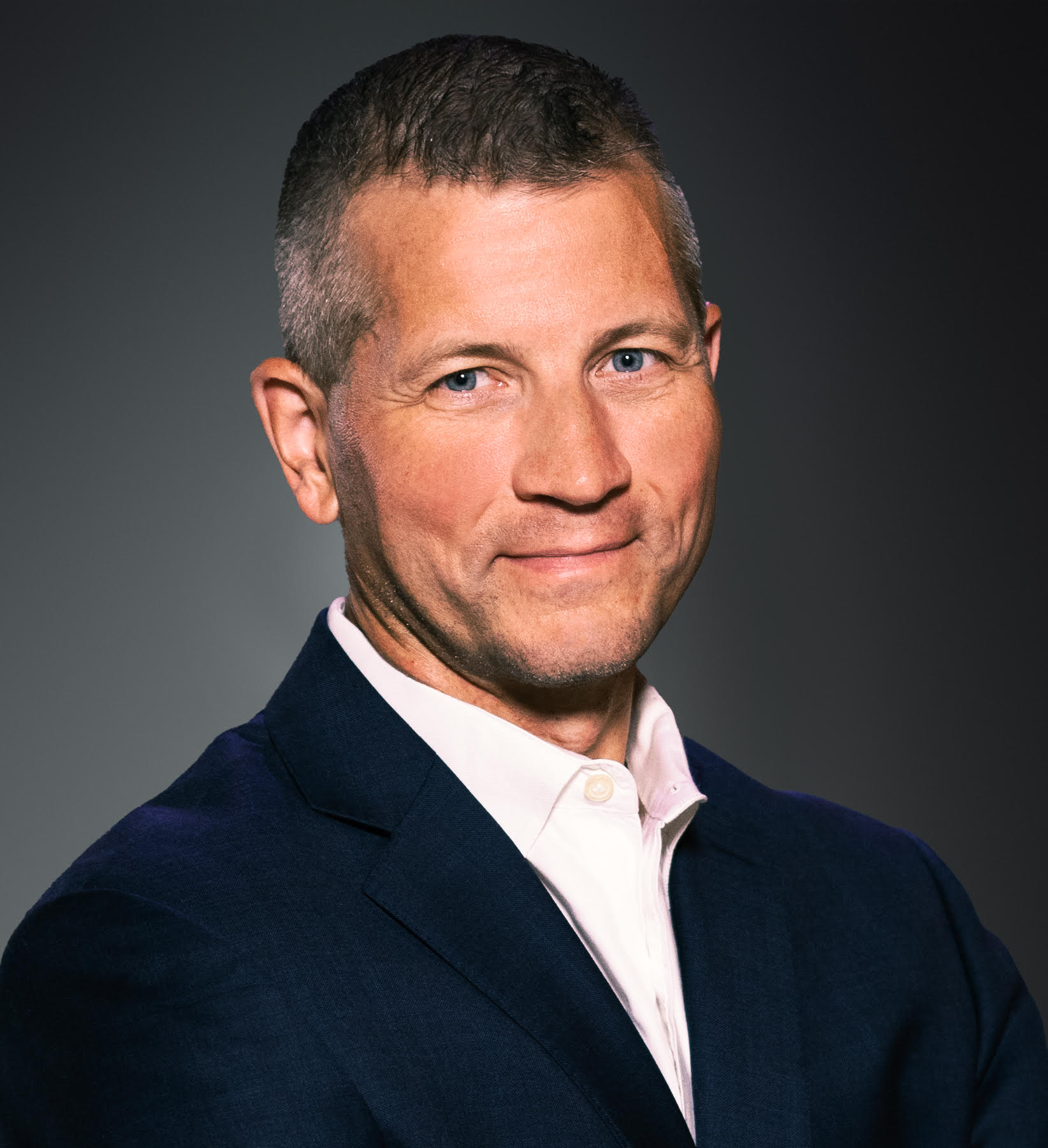 Manfred Kanther Headshot | Dakota Investments