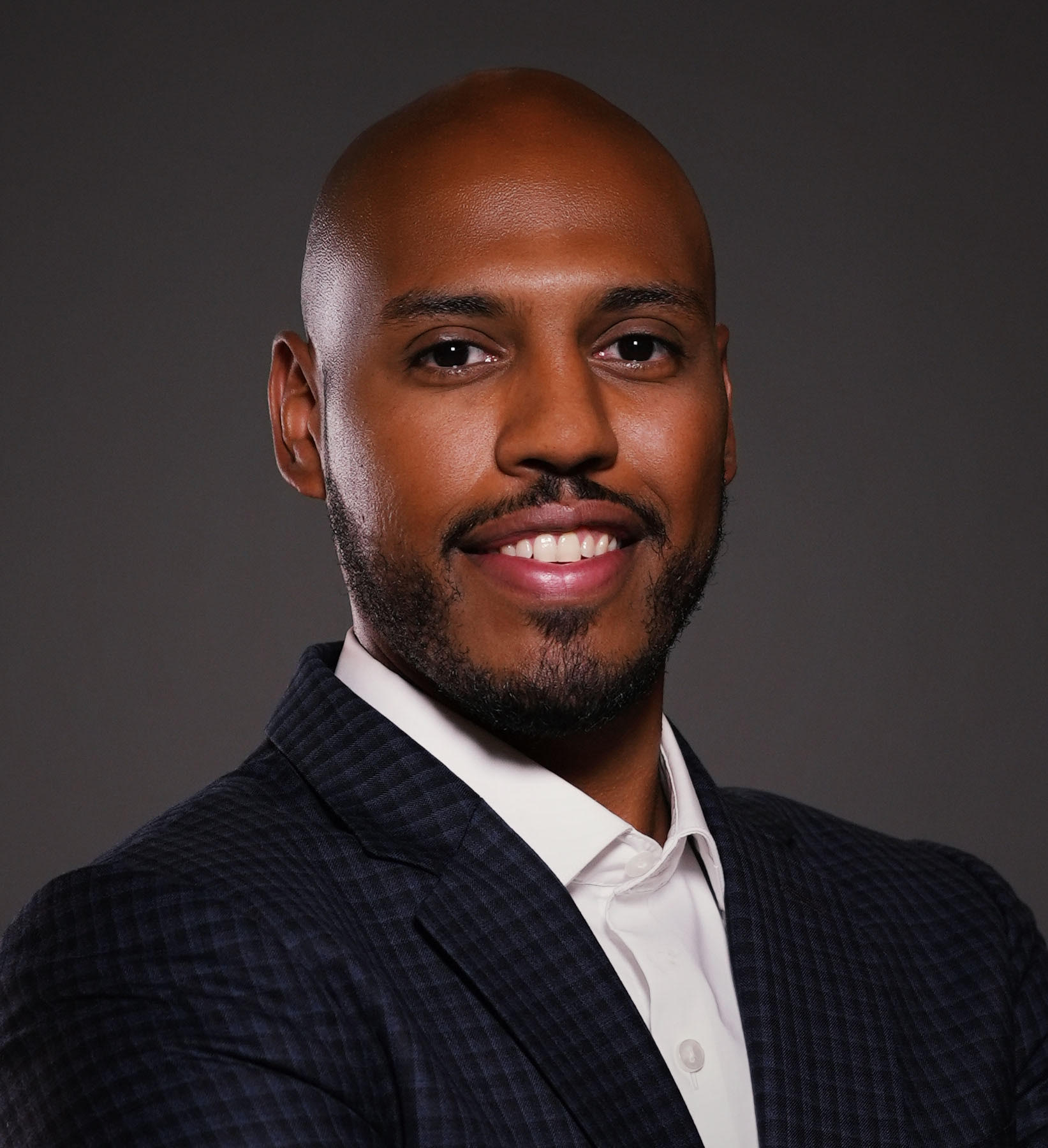 Mousaab Abdalla Headshot | Dakota Investments